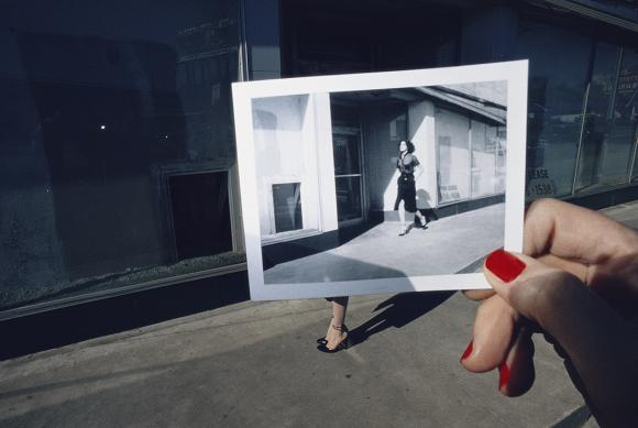 Guy Bourdin (1928–1991) Charles Jourdan, 1978, 1978 C-Print on Fujiflex paper © The Guy Bourdin Estate 2017 / Courtesy of Louise Alexander Gallery